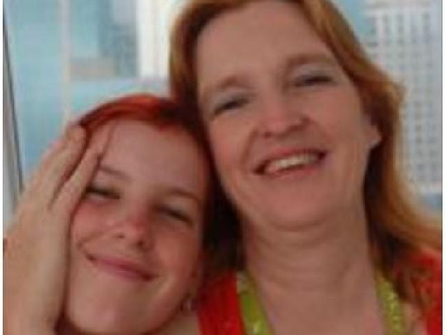 Maree Mavis Crabtree with daughter Erin