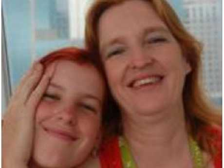 Maree Mavis Crabtree with daughter Erin