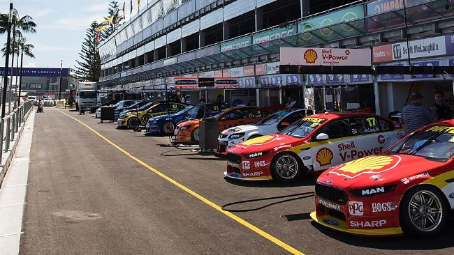 The Supercars will race at the Formula One Australian Grand Prix.