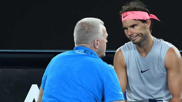 Australian Open: Roger Federer Beats Fucsovics To Advance