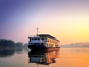 Travel the wonderfully diverse India and Sri Lanka