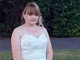 Bride dumped by fiance for being late