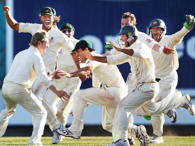 Australia celebrate victory in the 2008 SCG Test against India.