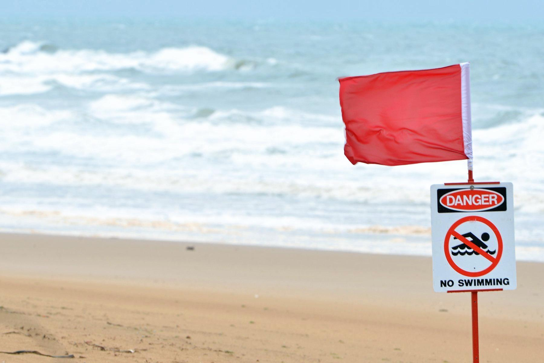 Dangerous surf has been reason for the closure of beaches on the Sunshine Coast.