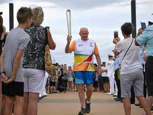 Crowds line Harbour Drive for Queen's Baton