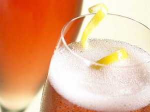 Recipe: Sparkling lemon cocktail