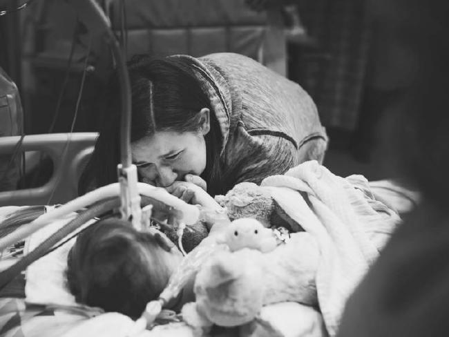 Mum Kristi before Adalynn's life support was switched off. Picture: Suha Dabit/World of Broken Hearts
