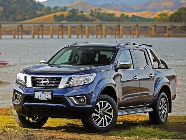Head-to-head review: Nissan Navara ST v Mazda BT-50 XTR | Sunshine