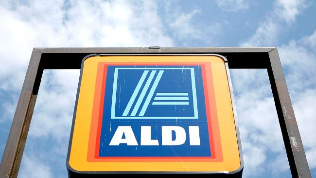 (FILES) This file photo taken on August 24, 2009, shows the sign of an Aldi store in Alexandria, Virginia. The German discount grocery store giant unveiled a major US expansion plan on June 12, 2017, aiming to make it the third-largest US grocery chain in five years. The planned $3.4 billion expansion will add nearly 900 additional stores and 25,000 new jobs, the company said in a statement. / AF