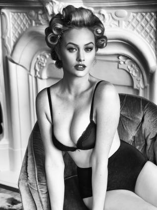 Simone poses for photographer Tatiana Gerusova.