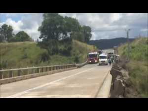 Bells Bridge truck crash 01