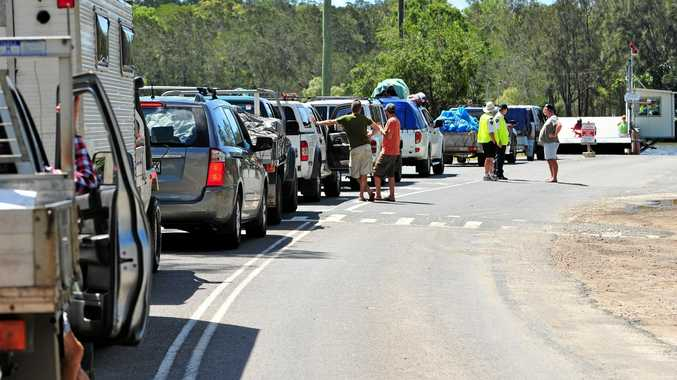 Traffic lines up to wait for the Noosa Ferry across to Noosa North Shore. Photo Geoff Potter / Noosa News.