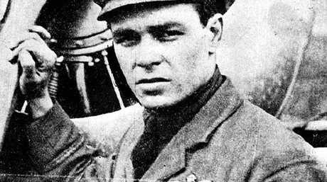 Bert Hinkler as an RAF pilot in 1918.