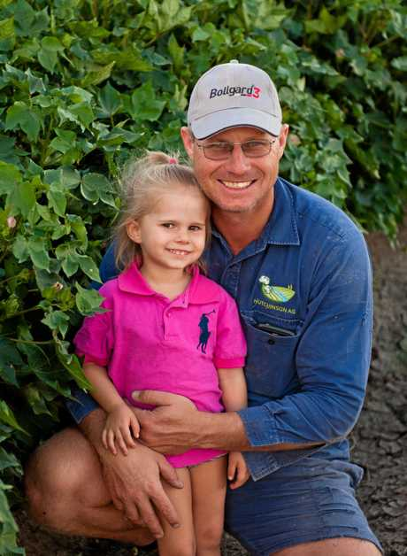 Greg and Heidi Hutchinson in the cotton fields of Macander, Moura.