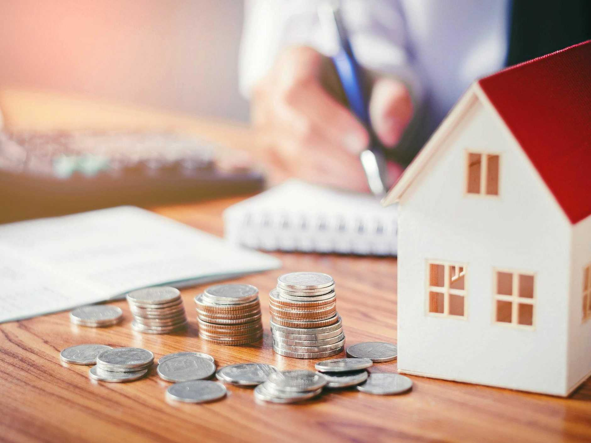 Finance experts say that, based on an average 30-year home loan of $371,100, households could save $5412 a year in repayments with a few simple steps.