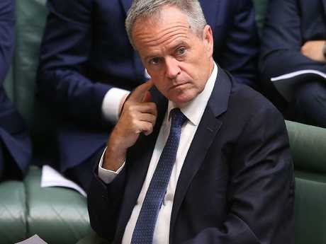 Queenslanders are losing confidence in Opposition Leader Bill Shorten.