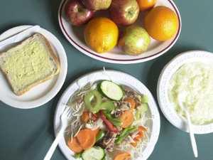Inmate seeks damages over prison food