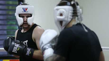 Jeff Horn (left) sparring with Liam Paro.