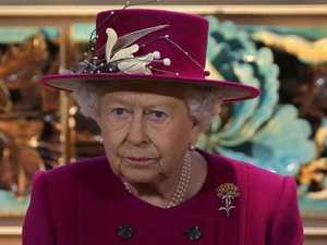 Queen goes green in war on plastic
