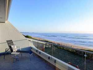 Barnaby's beachside holiday apartment