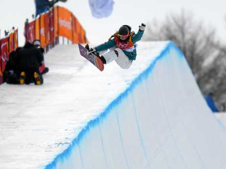 Emily Arthur flies high in the women's halfpipe event.