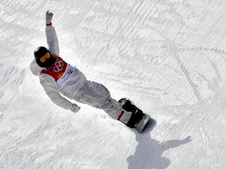 Shaun White finishes his qualifying run.