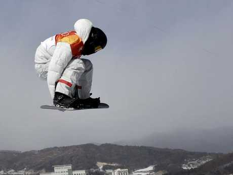 Shaun White completed a near perfect run in a warning to James.