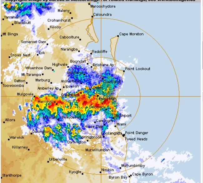 The BoM's rain radar at Mt Stapylton, 7.33pm.