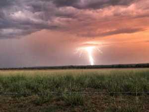 WILD WEATHER: High winds, hail leave homes in the dark