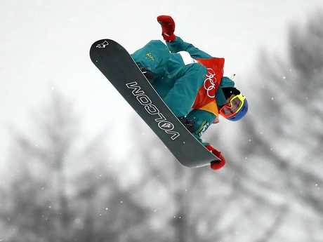 Scotty James flies high at Phoenix Snow Park.