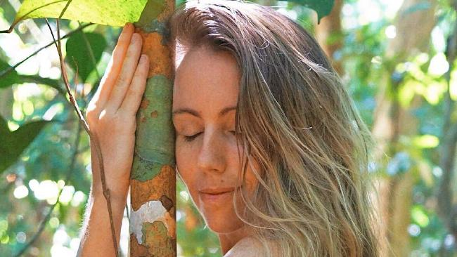 Freelee the Banana Girl is living 'off the grid' in a jungle in South America. 'Banana Girl' shows off new jungle lifestyle