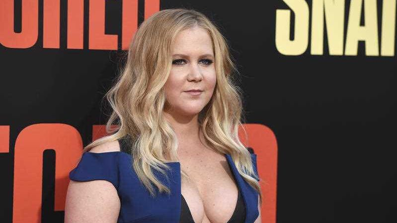 Amy Schumer ties the knot