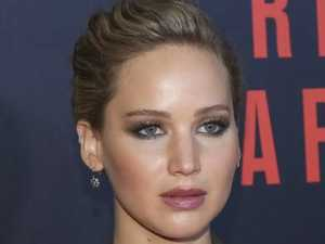 Jennifer Lawrence flaunts her nudity on set