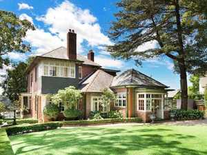 Joe Hockey lists $8m mansion on Chinese website