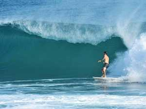 Extreme surf conditions at Kirra and Snapper Rocks