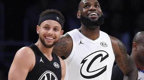 Stephen Curry and LeBron James. (AP Photo/Chris Pizzello)
