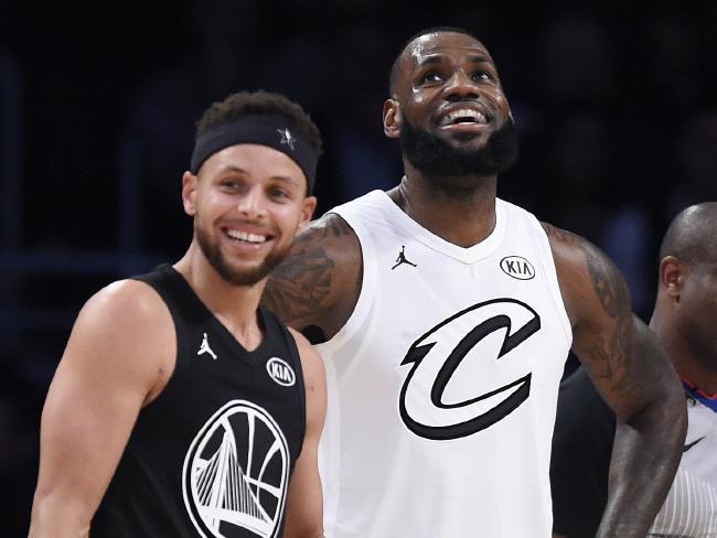 Stephen Curry and LeBron James. (AP Photo/Chris Pizzello)