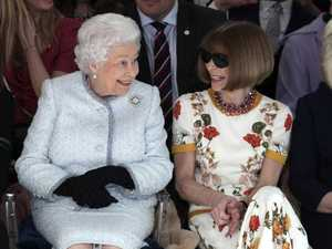 Queen upstages icons at London Fashion Week