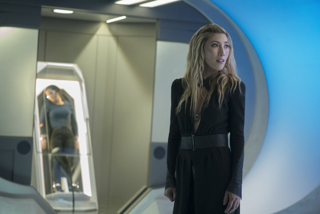 Dichen Lachman in a scene from the TV series Altered Carbon.