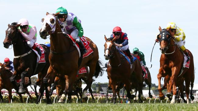 Melbourne Cup Day Races at Flemington Racecourse. November 3, 2015. Melbourne, Australia. MelbourneCup15, Race 7. Melbourne Cup over 3200 metres. Winner no 19 Prince of Penzance ridden b Michelle Payne, 2nd no 8 Max Dynamite ridden by Frankie Dettori, 3rd no 2 Criterion ridden by Michael Walker Picture: George Salpigtidis