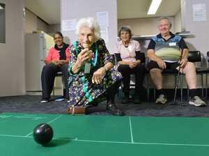 106-year-old Elizabeth 'Liz' Jordan playing indoor