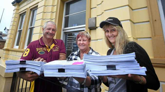 Council gets 2000 support letters for beleaguered business