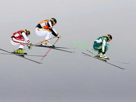 Sami Kennedy-Sim (right) leads the way in the ski cross quarter-final.