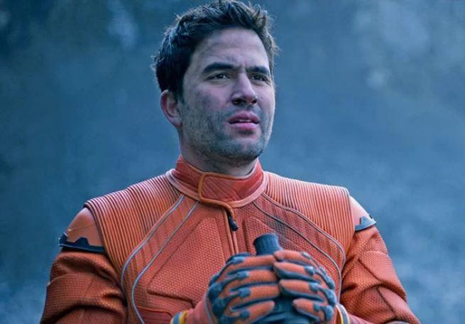 Ignacio Serrichhio as Don West in Netflix's