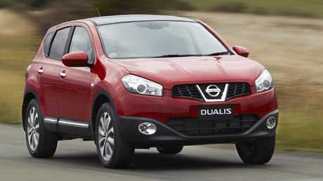 2010 Dualis Ti AWD: A true soft-roader but can switch to and from all-wheel drive on the fly.