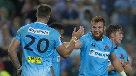 The Waratahs celebrate after the try by Ned Hanigan after full time had sounded which gave them a victory in the Super Rugby round 2 match between the New South Wales Waratahs and the South Africa Stormers at Allianz Stadium in Sydney, Saturday, February 24, 2018. (AAP Image/Craig Golding) NO ARCHIVING, EDITORIAL USE ONLY