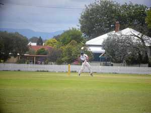 Warwick bowlers taking control in Davis Shield final