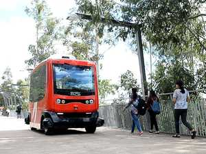 Driverless bus at Orion Lagoon