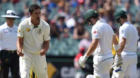 Mitchell Starc will be looking to remove Dean Elgar early in Kingsmead.