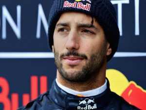 Ricciardo shatters 2017 mark in F1 testing